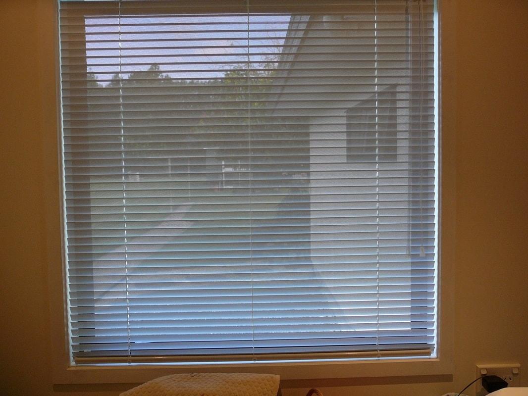 25mm 50mm alum nio perfuradas casa das persianas - Laminas de persianas ...